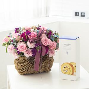 핑크장미 꽃바구니 + 롤케익(브랜드)